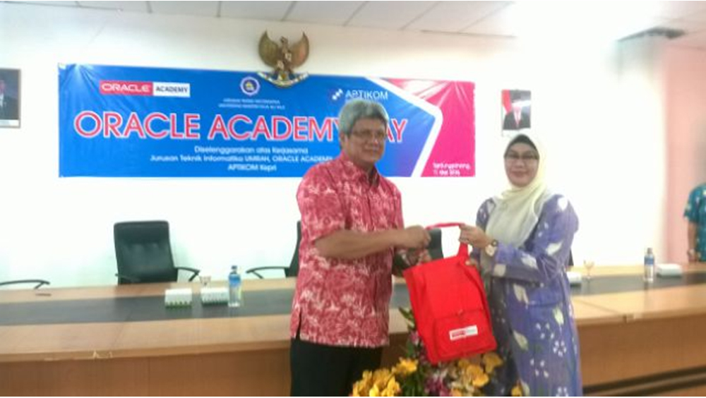 Oracle Academy Day hadir di UMRAH