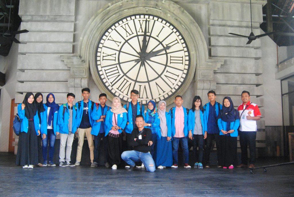 Mahasiswa TI-Umrah Lakukan Kegiatan Kunjungan Industri ke PT. Systrans Multimedia