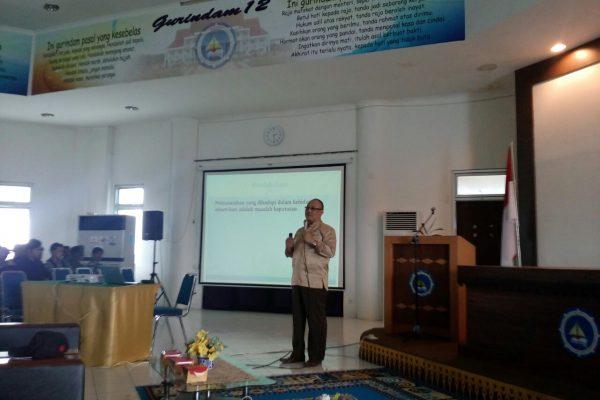 Pembicara: Drs. Retantyo Wardoyo, S.Si., M.Sc., Ph.D dari UGM