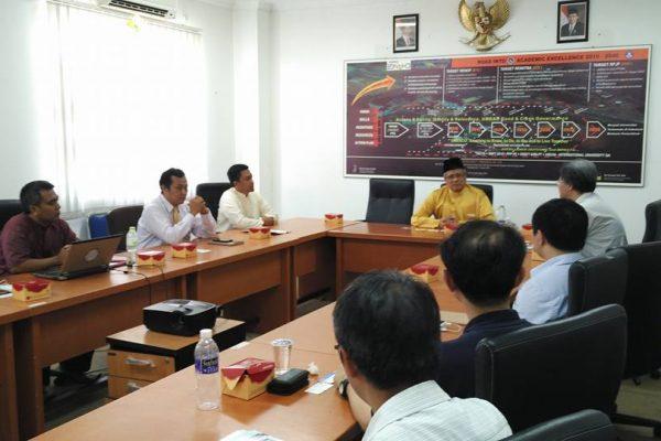 Diskusi membahas kerjasama antara CYCU dengan UMRAH