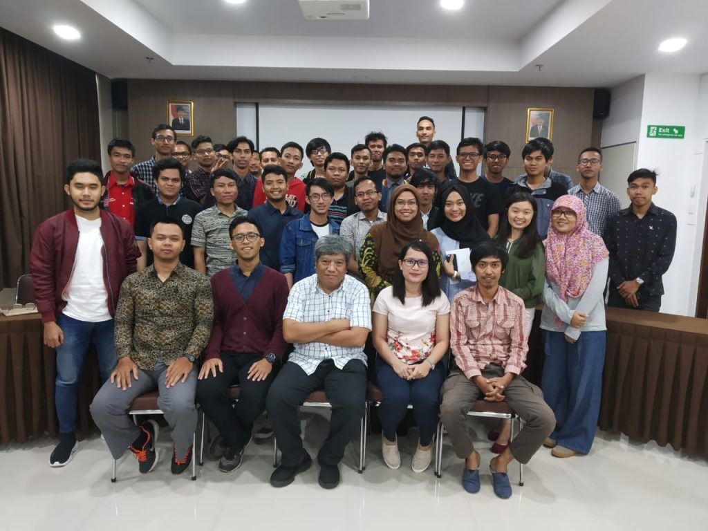 Dua Mahasiswa Teknik Informatika UMRAH Lolos Google Developer Kejar 2018
