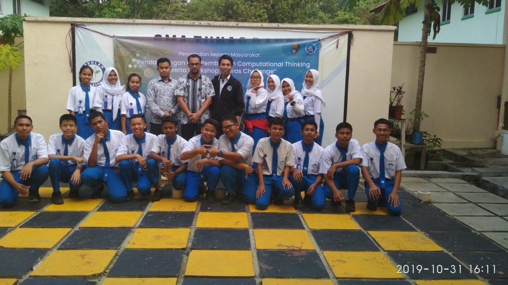 Informatika UMRAH melaksanakan Coaching Computational Thinking ke SMA Tunas Bangsa Lagoi
